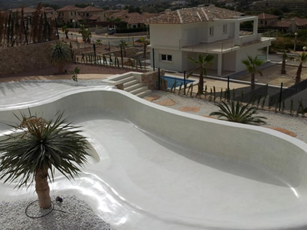 Catala puig construcci n de piscinas - Microcemento piscinas ...